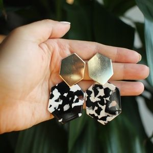 NEW Geometric black white Tortoise Dangle earrings